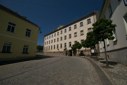 aktuelles Foto der Alten Schule